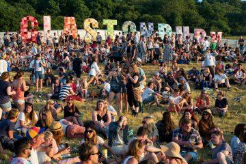 El Festival Glastonbury 2019 contará con un puente en el mar. Cusica Plus.