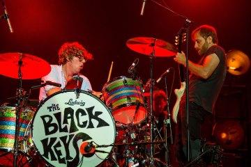 """The Black Keys terminan su descanso con el nuevo tema """"Lo/Hi"""". Cusica Plus."""