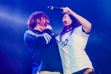 """Paulo Londra compartió tarima con Steve Aoki en el Lollapalooza Argentina y versionaron """"Forever Alone"""". Cusica Plus."""