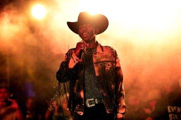 """Anderson .Paak invitó a Lil Nas X al escenario para cantar """"Old Town Road"""". Cusica Plus."""
