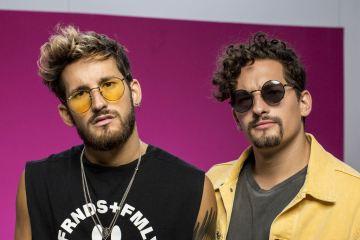 Mau y Ricky comparten su disco debut 'Para Aventuras y Curiosidades'. Cusica Plus.
