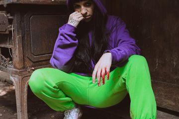 La trapera argentina Cazzu, comparte su nuevo disco 'Error 93'. Cusica Plus.