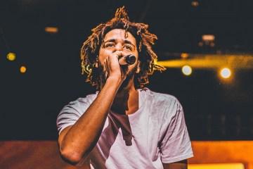 J. Cole lidera el top 200 de Billboard con su disco 'Revenge of the Dreamers III'. Cusica Plus.
