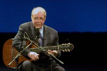 Falleció João Gilberto, el pionero de la bossa nova. Cusica Plus.