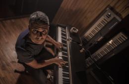 Ex vocalista de Los Sordos, LEVY, estrena su proyecto solista. Cusica Plus.