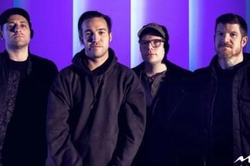 Fall Out Boy anuncian un nuevo disco de éxitos y estrenan un nuevo tema. Cusica Plus.