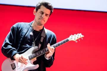 John Mayer regresa con su nuevo sencillo 'Carry Me Away'. Cusica Plus.