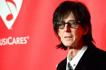 Falleció Ric Ocasek de la agrupación The Cars. Cusica Plus.