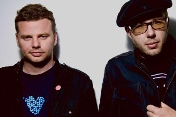 The Chemical Brothers celebran los 20 años de su disco 'Surrender' con nuevos remixes. Cusica Plus.