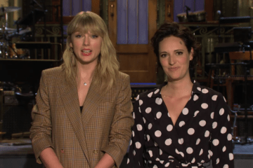 Taylor Swift y Phoebe Waller-Bridge hacen la promo de su SNL - Cúsica Plus