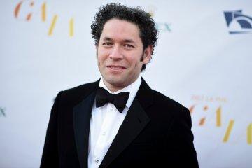 Gustavo Dudamel renueva su contrato con la Filarmónica de Los Ángeles hasta 2026. Cusica Plus.