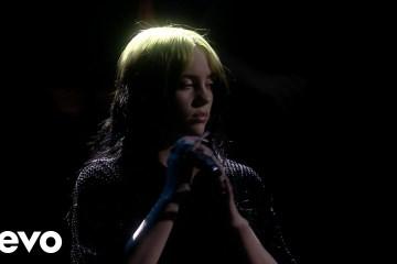 Billie Eilish cantó por primera vez en vivo su tema para la película de James Bond. Cusica Plus.