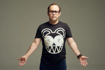 José Hoek, el músico que sigue apostando por instrumentos análogos. Cusica Plus.