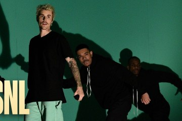 Justin Bieber llegó al Saturday Night Live para cantar 'Yummy' en vivo. Cusica Plus.