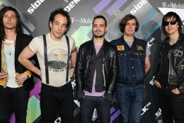 The Strokes comparte nuevo tema y anuncia su próximo disco. Cusica Plus.