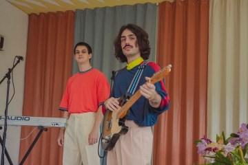 Gran Radio Riviera revela 'Surf' en vivo. Cusica Plus.