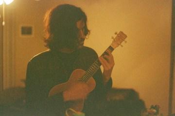 Mikel Aitor comparte su nuevo disco 'Sobremesa'. Cusica Plus.