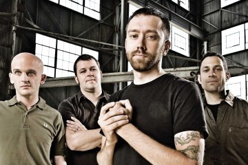 Rise Against, comparte adelanto del sencillo para el soundtrack de 'Dark Nights: Death Metal'. Cusica Plus.