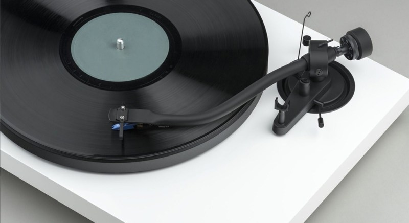 Pro-ject release Debut III S turntable