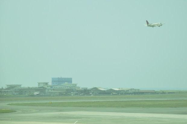 テイクオフ 松山空港にて