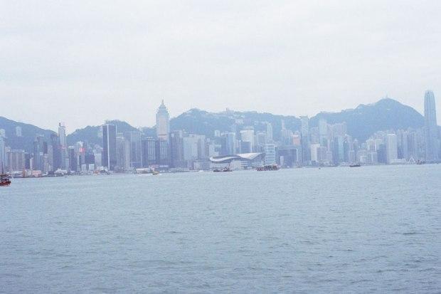 Olympus_OM-1_×_Kodak_SUPERGOLD400_in香港_紅磡→北角フェリー_香港島が見える