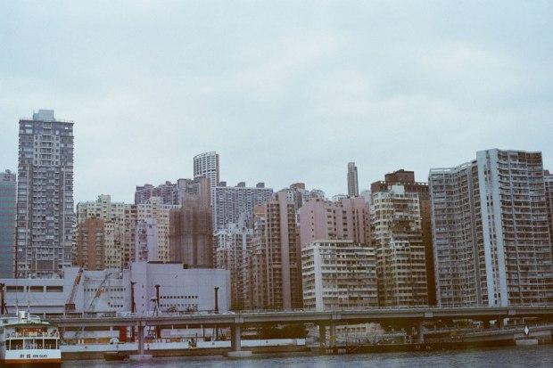 Olympus_OM-1_×_Kodak_SUPERGOLD400_in香港_紅磡→北角フェリー_もうすぐ到着その2
