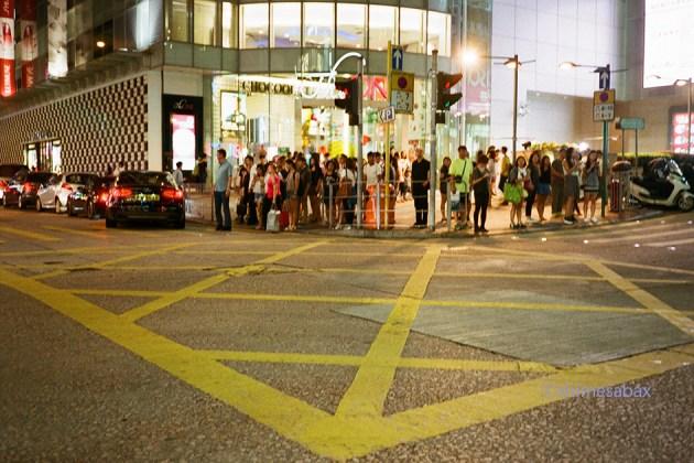 NATURA1600×KLASSE_S_香港Night_ハーバーシティ付近
