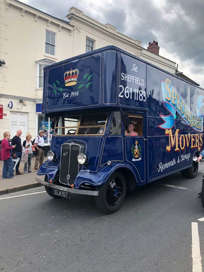 Specialised Movers Lorry