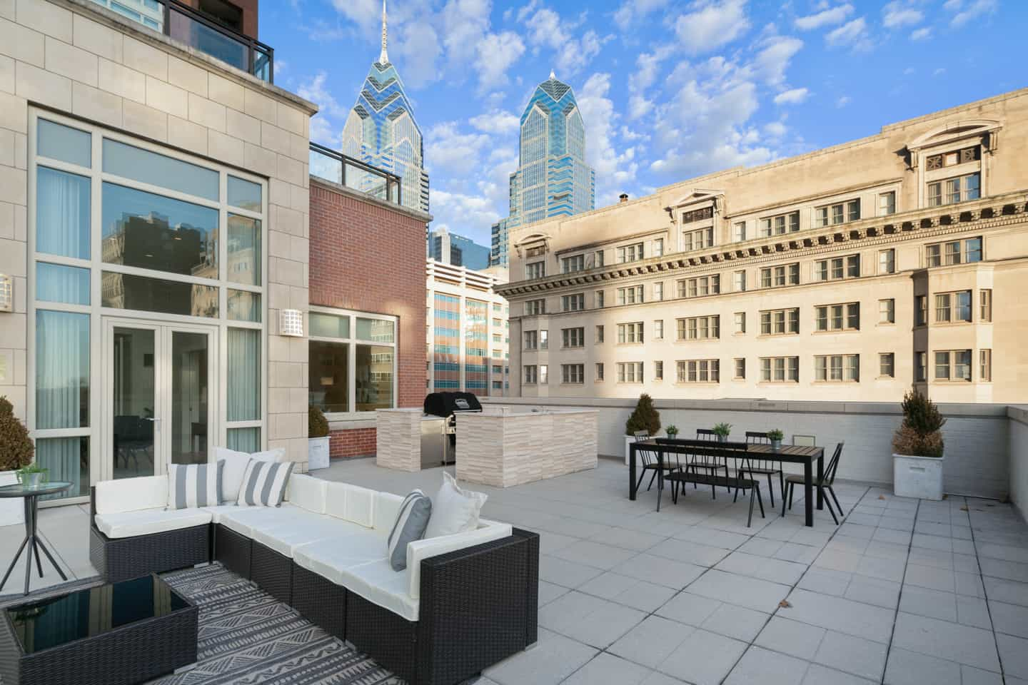 Real Estate Photograph of a Luxury Penthouse on Walnut Street in Philadelphia, PA