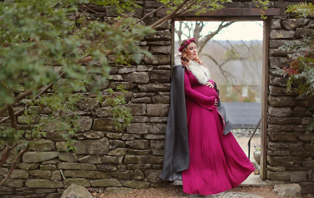 A Whimsical Plus Size Maternity Photo Shoot You Have to See!