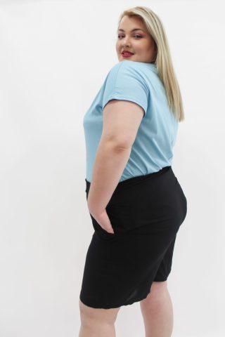 Βερμούδα μεγάλα μεγέθη viscose με λάστιχο στη μέση και τσέπες.Στο eshop μας θα βρείτε οικονομικά γυναίκεια ρούχα σε μεγάλα μεγέθη και υπερμεγέθη.