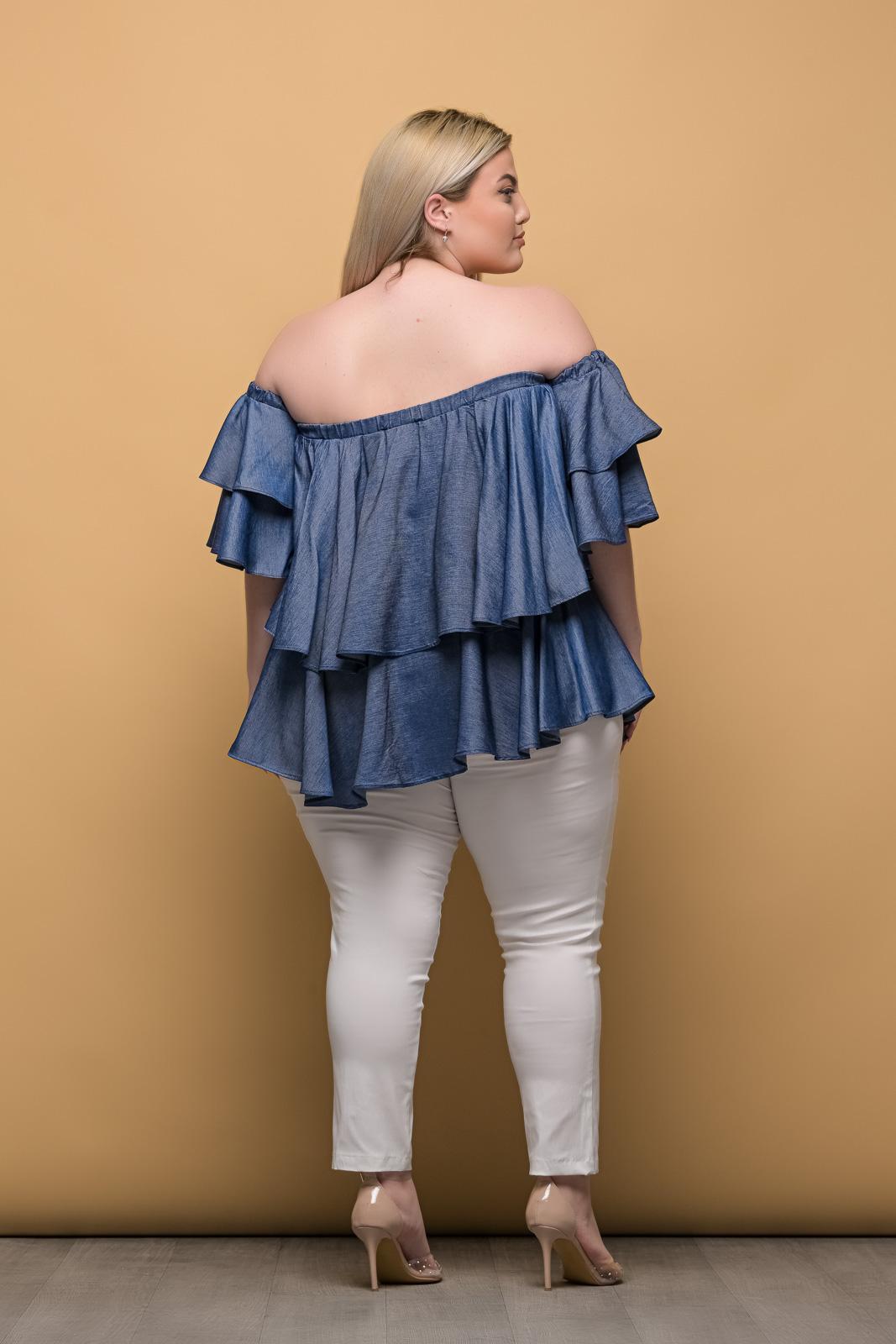 Παντελόνι μεγάλα μεγέθη ελαστική καμπαρντίνα άσπρη μέχρι τον αστράγαλο.Στο eshop μας θα βρείτε οικονομικά γυναίκεια ρούχα σε μεγάλα μεγέθη και υπερμεγέθη.