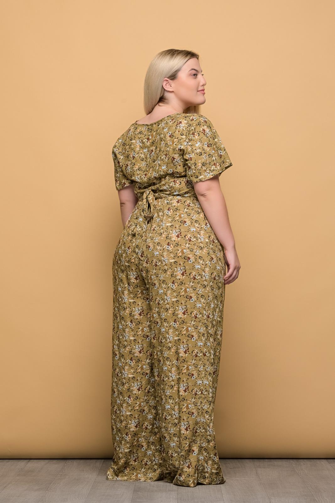 Κροπ-τοπ μεγάλα μεγέθη κρουαζέ floral/εκάι με δέσιμο..Στο eshop μας θα βρείτε οικονομικά γυναίκεια ρούχα σε μεγάλα μεγέθη και υπερμεγέθη.