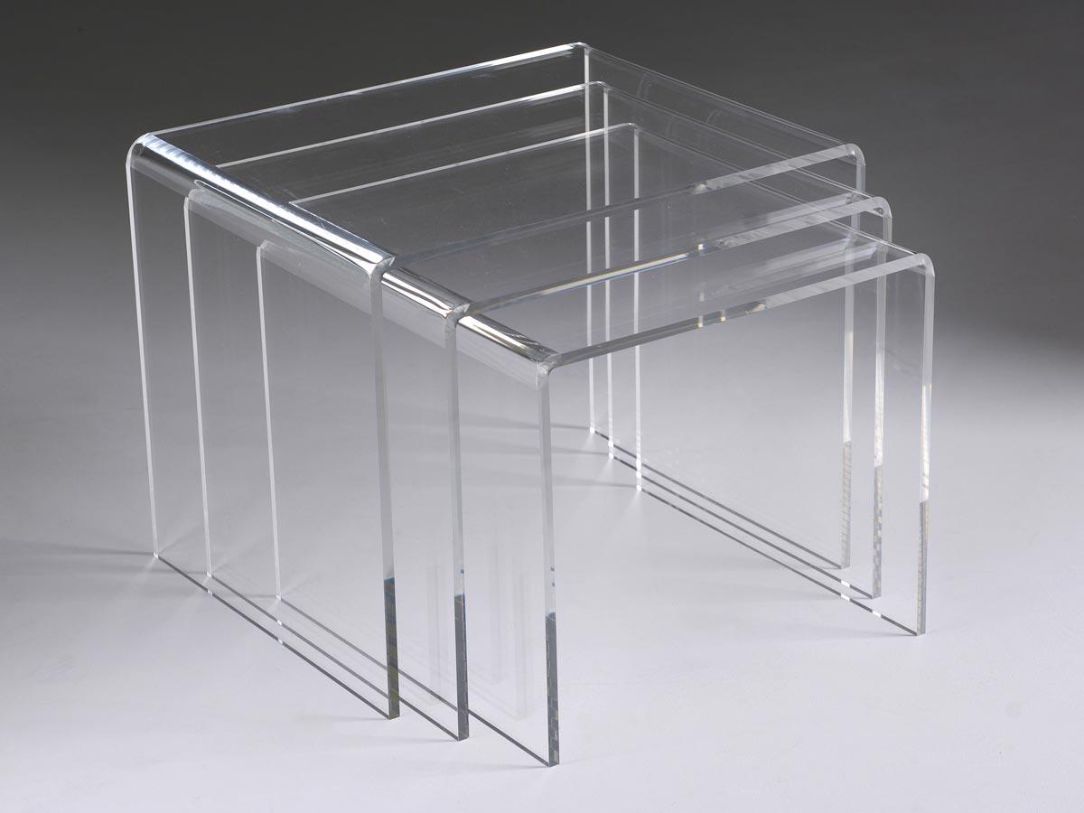 plexiglas et objets standards en plexi