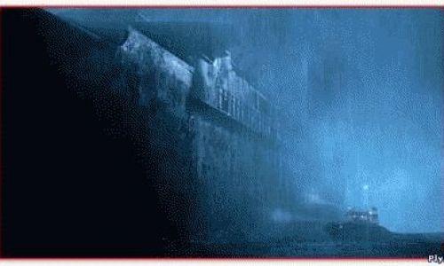 История о корабле Уранг Медан кажется обычной если не учитывать тот факт что корабль стад призраком