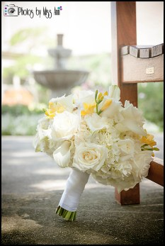 Gorgeous Wedding Bouquet MI Wedding Photographer Photos by Miss Ann