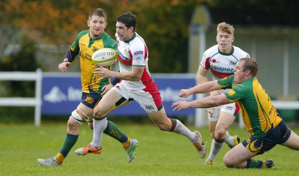 Jake Murphy breaks through Henley's defence on Saturday (picture by Phil Mingo/Pinnacle)
