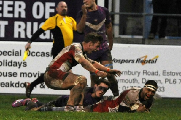 Nile Dares scores one of his three tries for Albion on Saturday (Sean Hernon/Pinnacle)