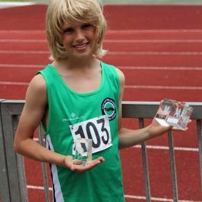 Plymouth's Jones leaps clear at the top of UK under-13 pole vault rankings
