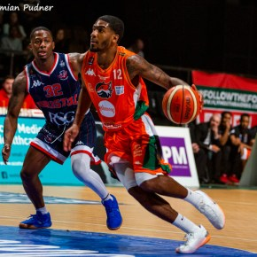 In-form Raiders book place in BBL Trophy quarter-finals by seeing off Bristol Flyers