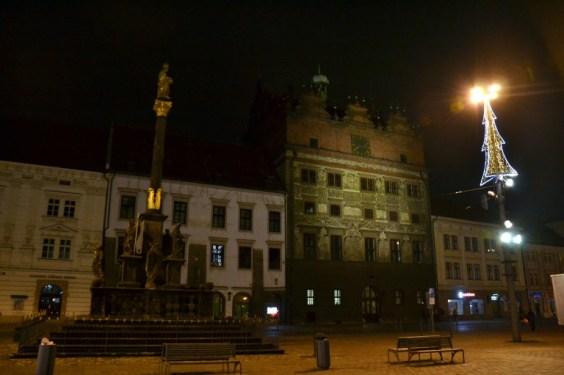 plzeňská radnice vzimě