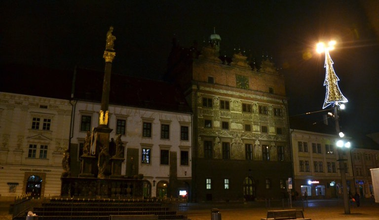 plzeňská radnice v zimě