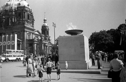 Olympijský oheň v Berlíně 1936