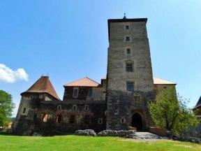 Pohled na hrad zepředu