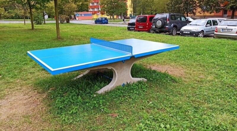 ping pongový stůl