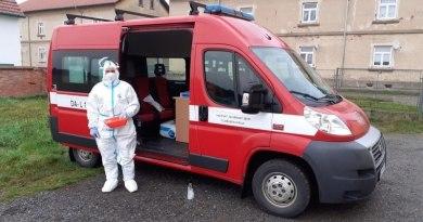 V okrese Plzeň-sever pomáhají s odběry vzorků k testování na covid-19 hasiči
