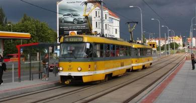 Oprava tramvajové trati na Karlovarské třídě si vyžádá výluku čtyřky. Autobusy změní trasy