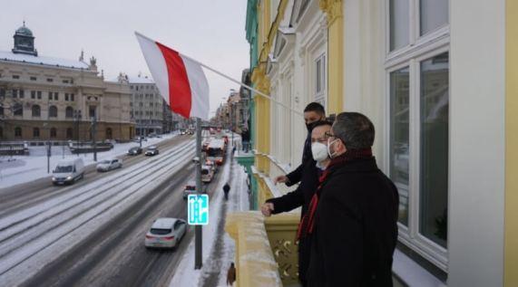 Vyvěšené běloruská vlajka