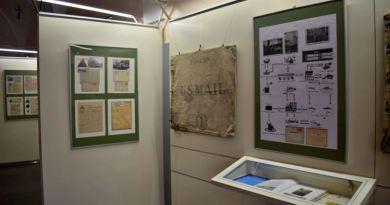 Výstava na radnici přibližuje polní poštu americké armády v Jihozápadních Čechách