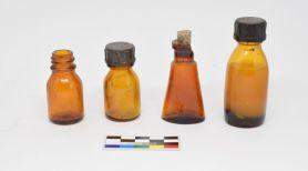 Lékovky nalezené při výzkumu v táborech Nikolaj a Eliáš II.